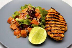 Csirke quinoa salátával