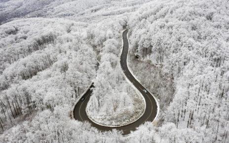 Parádsasvár, 2020. november 30. Havas és zúzmarás fák Parádsasvár közelében 2020. november 30-án. MTI/Komka Péter