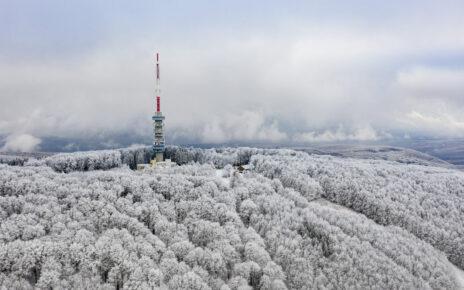 Gyöngyös, 2020. november 30. Havas és zúzmarás táj Kékestető közelében 2020. november 30-án. MTI/Komka Péter